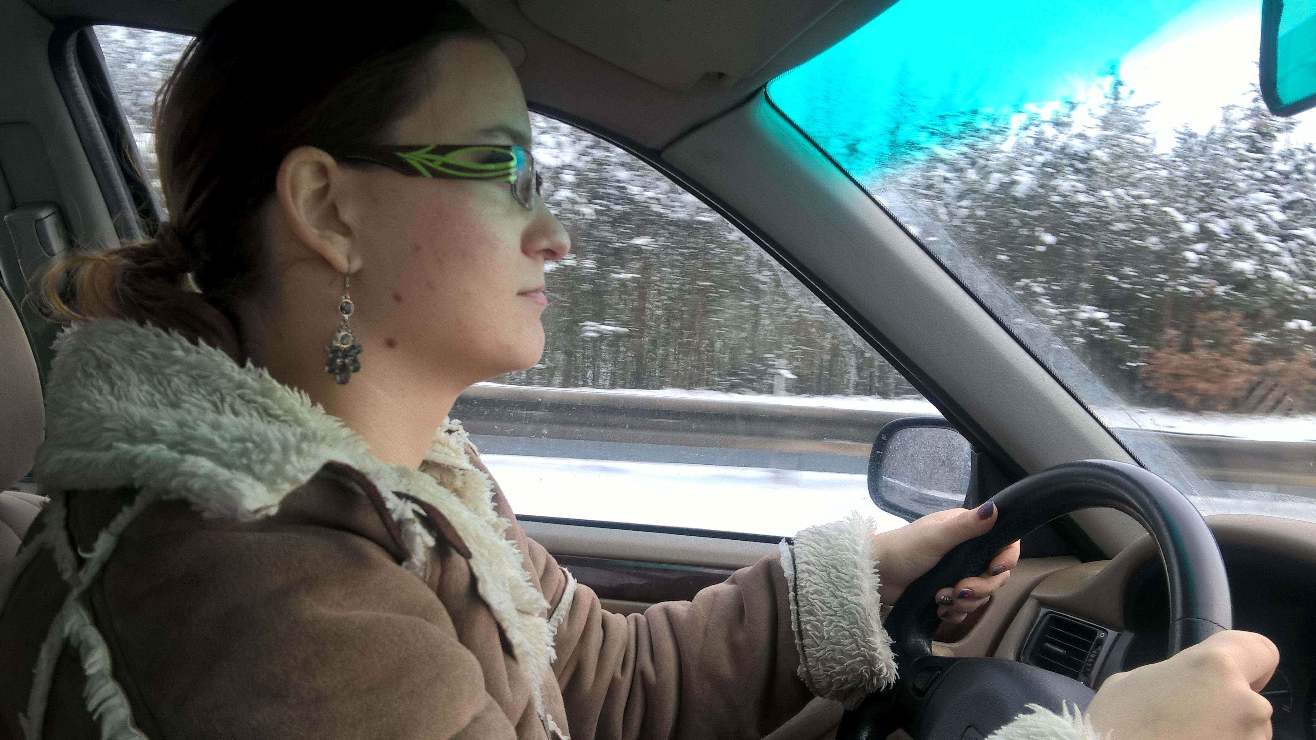 Mirjam poprvé legálně řídí do Rokycan :-)